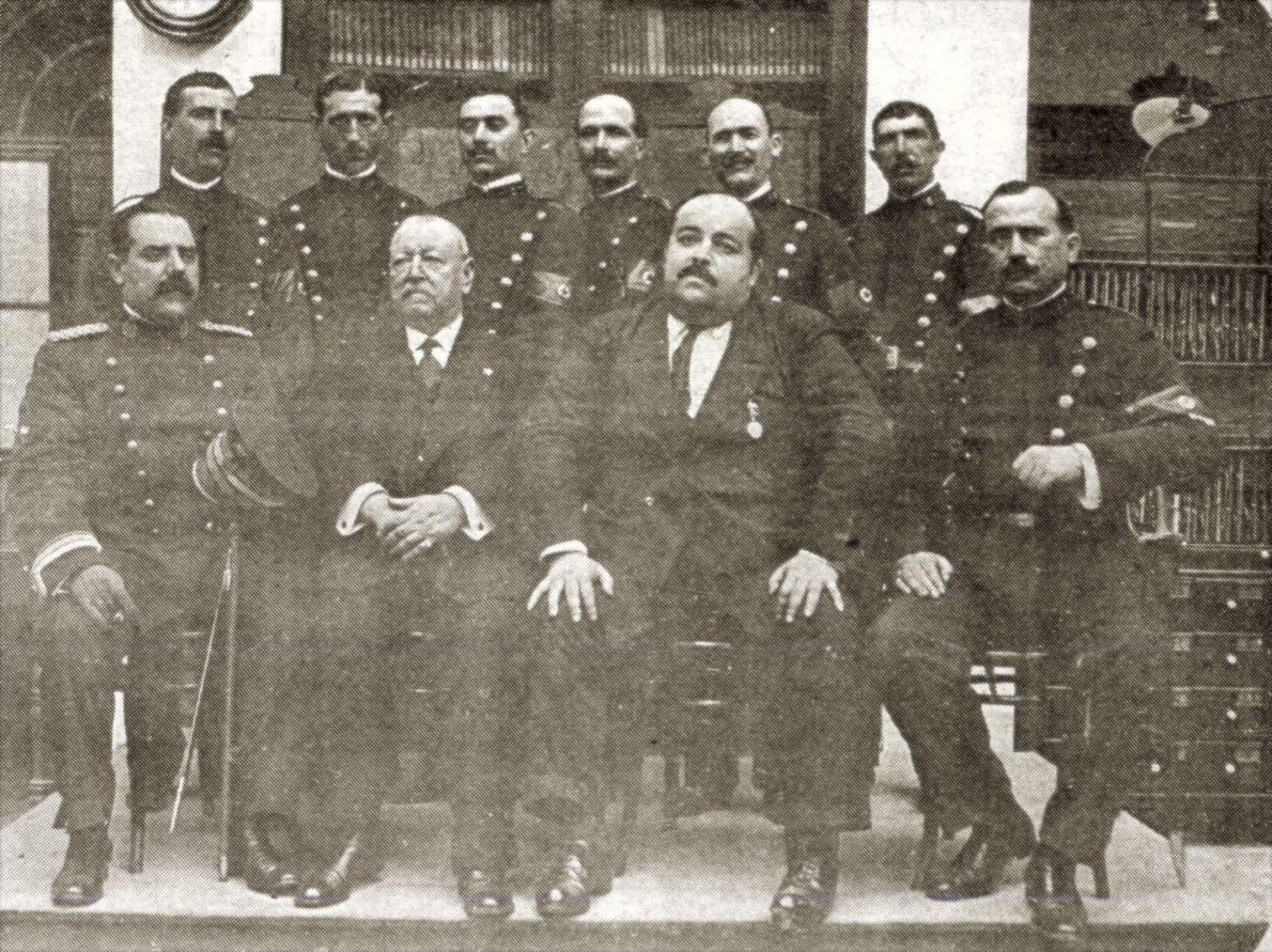 Foto de policías municipales sevillanos esperantistas en 1911