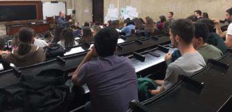 Vicente Manzano-Arrondo impartiendo la conferencia